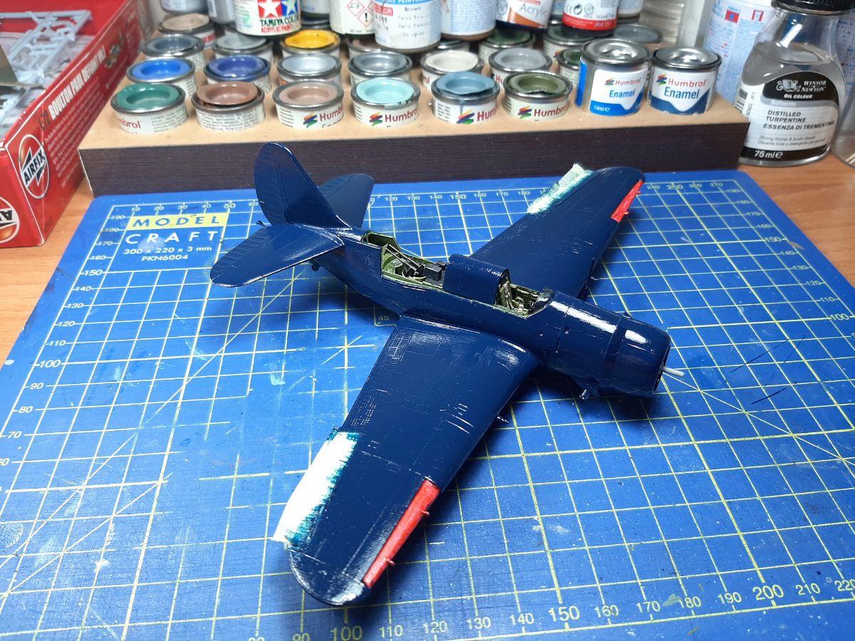 Curtiss SB2C-4 Helldiver, Academy 1/72
