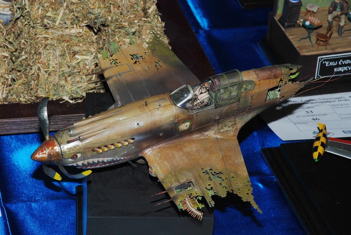 """""""ΑCES HIGH"""". Ενα διαφορετικό P-40B στην 1/32!"""