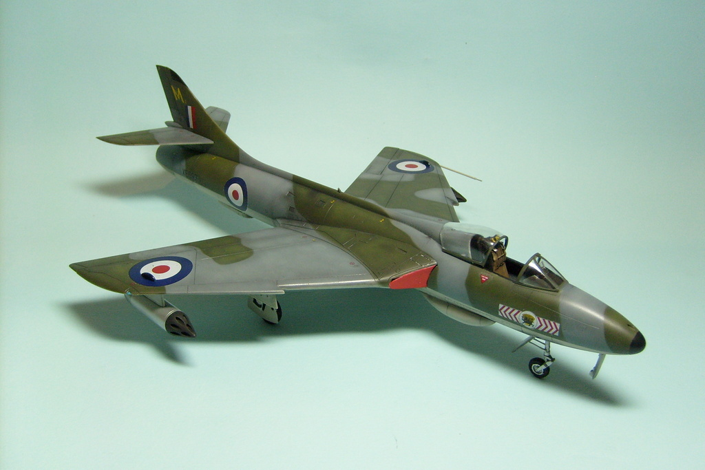 Hawker Hunter, Academy 1/48