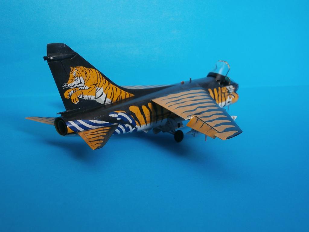 Α-7Ε Corsair ''Τίγρης'', Hobbyboss 1/72