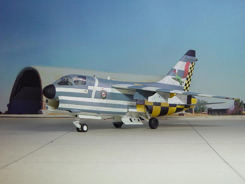 A-7Corsair 1/72, 335 SQN Hobby Boss & 340 SQNFujimi