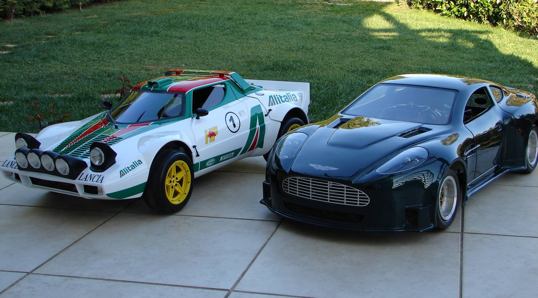 VASS CARS. Tηλεκατευθυνόμενα αυτοκίνητα σε κλίμακα 1/4!