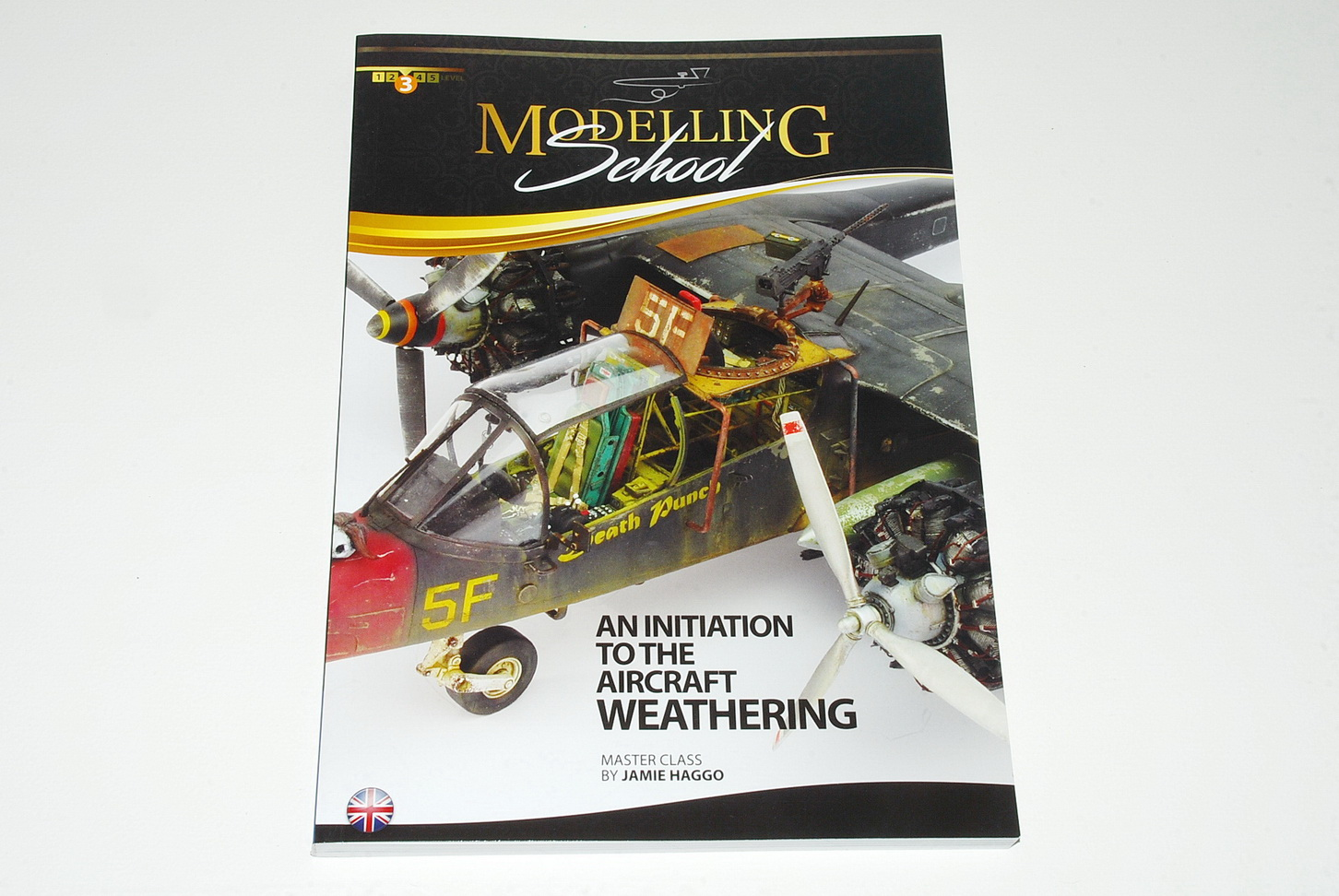 Modelling School – An initiation to the aircraft weathering, by Jamie Haggo (AMMO by Mig Jimenez publications)